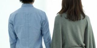 夫婦の背中